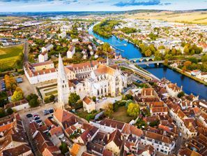 Bílaleiga Auxerre, Frakkland